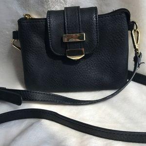 Handbags - 💐 black crossbody purse
